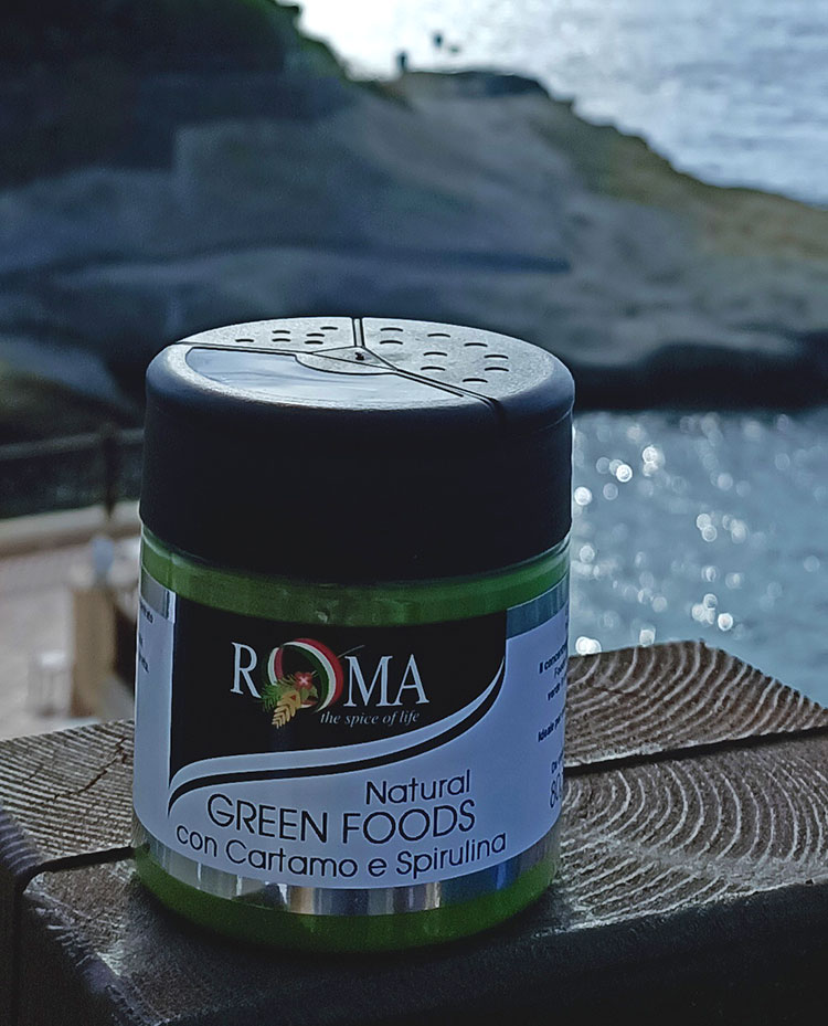 Natural Green Food with Safflower and Spirulina