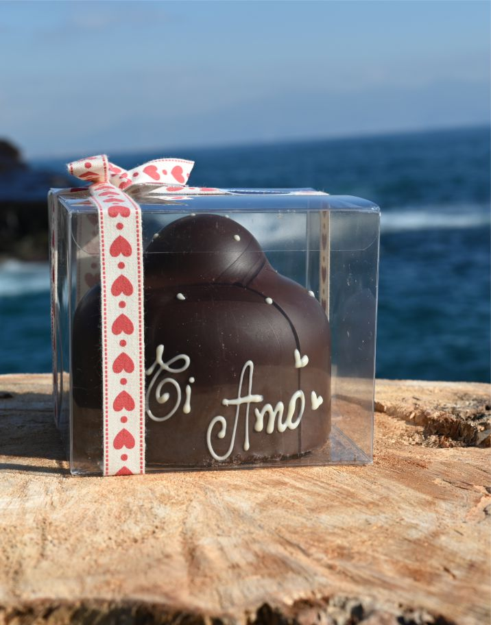 Big Handmade Bacio Filled with the Best Cocoa Beans 450gr